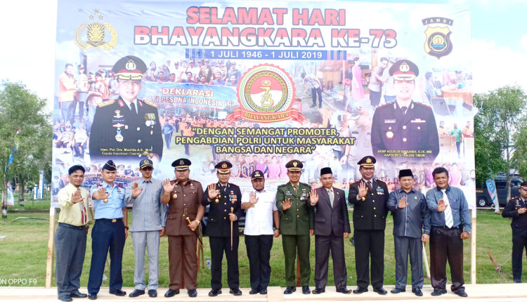 Wabup Tanjabtim Hadiri Upacara HUT Bhayangkara ke 73 di Kecamatan Dendang – Aksipost.com